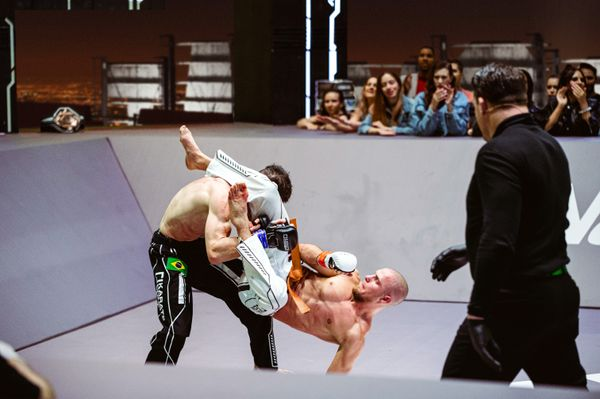 Rolling Thunder attack by Lightweight Champion Edgars Skrivers in Event 7 of Karate Combat Season 3