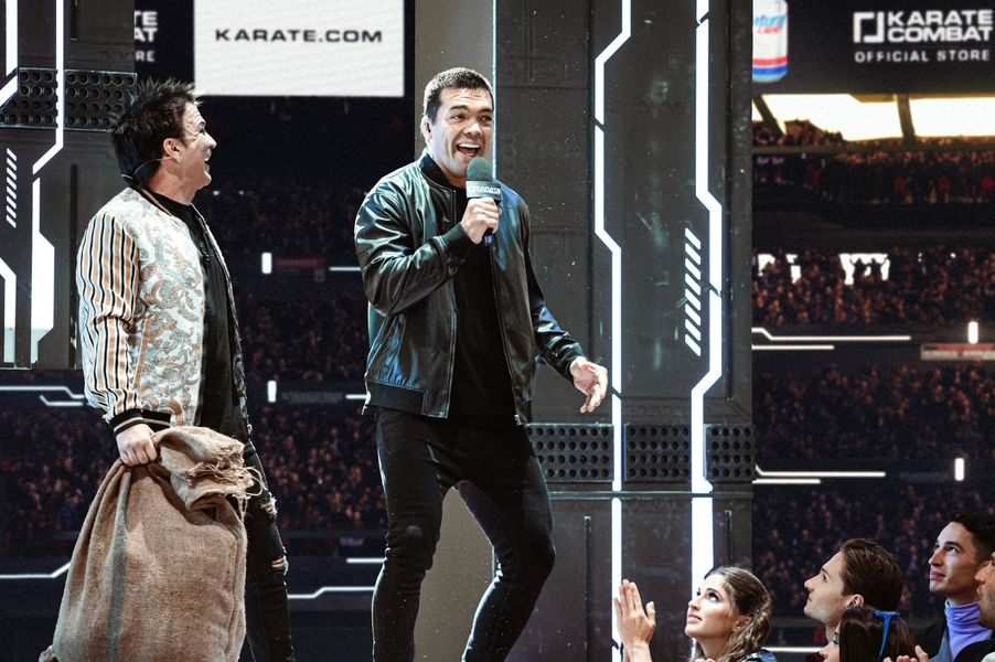 Lyoto Machida joined Bas Rutten and Robin Black at Karate Combat Season 3 Event 9 for Pit-side commentary