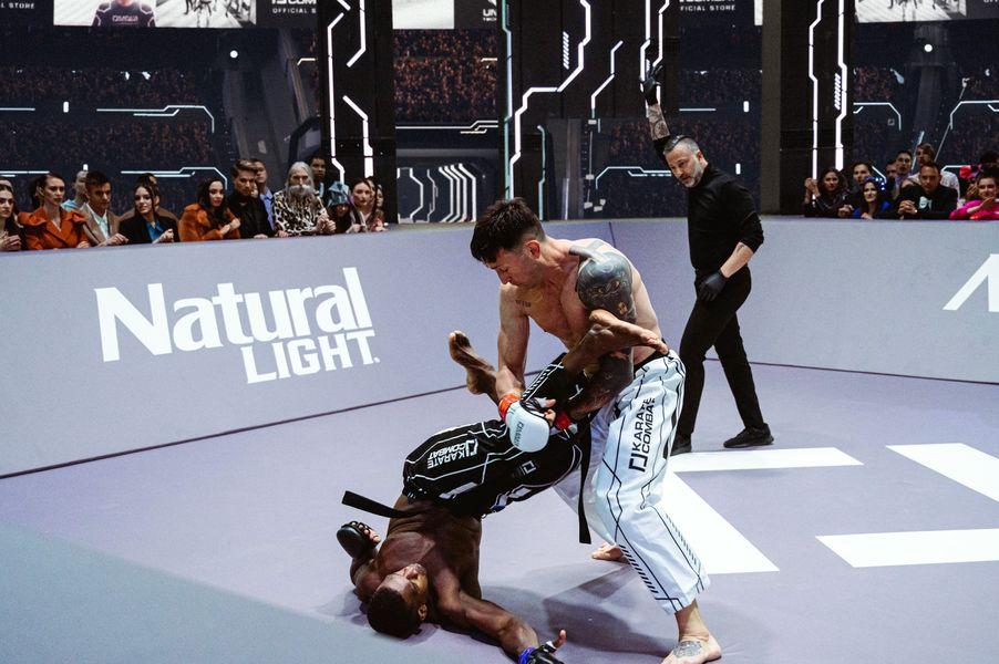 Jorge Perez vs Igor de Castaneda in Karate Combat Season 3 Event 9
